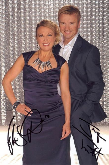 Jayne Torvill & Christopher Dean, signed 9x6 inch photo.